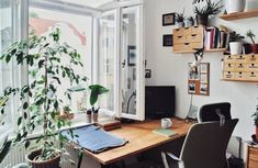 my scandinavian home: Small Spaces: Grandma Style Meets Urban Jungle in a Berlin Rental Decorated on a Shoe-string Office Nook, Home Office, Small Space Living, Small Spaces, Study Interior Design, Exposed Brick Walls, Interiors Magazine, Inspirational Wall Art, Scandinavian Home