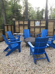 Modern Curveback Adirondack Chair by POLYWOOD® Adirondack Chairs, Outdoor Chairs, Outdoor Furniture Sets, Outdoor Decor, Homemade Bleach, Fire Pit Table, Modern Side Table, Relax, Exterior
