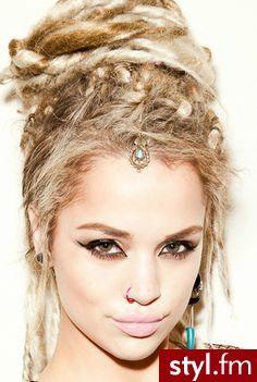 Fryzury Blond włosy: Fryzury Długie Alternatywne Dredy Blond - JudytaStyl - 2903603