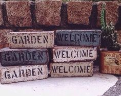Live Life Love, Enchanted Garden, Garden Art, Diy And Crafts, Gardening, Buildings, Home Decor, Brick, Molde