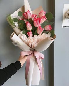 A beautiful bouquet of tulips. Flower Bouquet Diy, Tulip Bouquet, Bouquet Wrap, Gift Bouquet, Floral Bouquets, My Flower, How To Wrap Flowers, Bunch Of Flowers, Beautiful Flowers