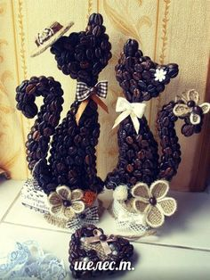 Crafts To Make, Arts And Crafts, Diy Crafts, Coffee Bean Art, Coffee Theme, Jute Crafts, Cafe Art, Coffee Crafts, Wine Bottle Crafts