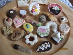 Christmas Cookies, Icing, Biscuits, Sweets, Wedding, Cake Tutorial, Food, Cakes, Scrappy Quilts