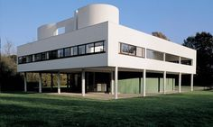Villa Savoye - Le Corbusier  Pierre Jeanneret. Poissy, France (near Paris).