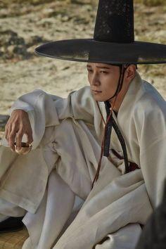 Korean Clothing Styles The Beige Blouse Korean Traditional Dress, Traditional Dresses, Korean Wave, Korean Men, Korean Dress, Korean Outfits, Korean Drama Movies, Korean Actors, Kang Dong Won