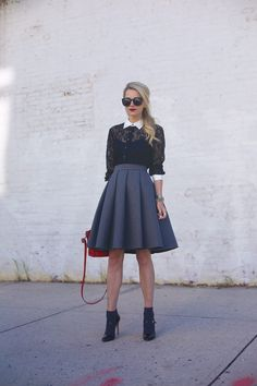 Top 10 Winter Fashion Trends 2016 I'm sure you've already got a winter wardrobe by now, but aren't you missing something? Look Fashion, Womens Fashion, Fashion Trends, Club Fashion, 1950s Fashion, Casual Styles, Looks Vintage, Mode Outfits, Mode Inspiration