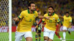 #CuriosoNaCopa: O Brasil é campeão! ;D | O Brasil é o grande campeão da Copa das Confederações 2013. Vencendo em casa, goleou a Espanha por 3 a 0. O Brasil mostrou como se joga futebol de verdade, dominando a posse de bola e ditando o ritmo do jogo. Veja como foi essa partida aqui, no #CuriosoNaCopa. http://curiosocia.blogspot.com.br/2013/06/curiosonacopa-o-brasil-e-campeao-d.html