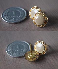 Facebook - Lady Guzik Facebook - Lady Guzik hand made jewerly ring  buttons