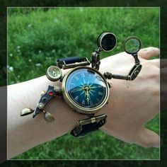 What time is it ? Steampunk Gadgets, Steampunk Watch, Steampunk Clothing, Steampunk Fashion, Cute Jewelry, Jewelry Accessories, Jewelry Necklaces, Steampunk Accessoires, Magical Jewelry