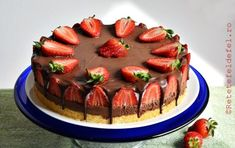 tort cu mousse de ciocolata si capsuni Something Sweet, Cheesecakes, Birthday Cake, Cooking, Desserts, Recipes, Mousse, Nails, Wedding