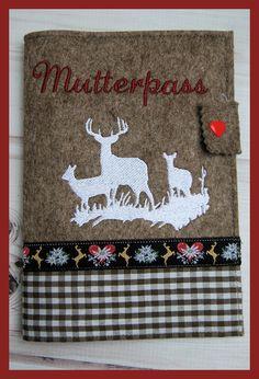 Mutterpasshülle aus Filz bestickt im Landhausstil Motiv Hirschfamilie, Handarbe in Kleidung & Accessoires, Damenmode, Umstandsmode | eBay!