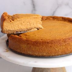 Looking for the perfect Thanksgiving vegan dessert? Try this vegan pumpkin cheesecake! Totally egg-free and dairy-free. Looking for the perfect Thanksgiving vegan dessert? Try this vegan pumpkin cheesecake! Totally egg-free and dairy-free. Pumpkin Cheesecake Recipes, Vegan Cheesecake, Vegan Dessert Recipes, Pumpkin Recipes, Cheesecake Desserts, Vegan Thanksgiving Desserts, Dairy Free Pumpkin Pie, Egg Free Desserts, Best Vegan Desserts