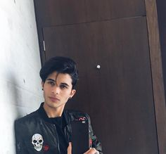 "Read ""Te Quiero"" from the story Volverte A Ver (Erick Brian Colon)[PAUSADA] by with 255 reads. Erick Brian Colon Instagram, Erik Brian Colon, Cnco Richard, Beautiful Black Hair, Latin Music, Daughter Love, Cute Guys, Gq, Boy Bands"