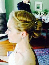 Brautfrisur, Trendfrisur, Brautstyling, Perlen, Hochsteckfrisur