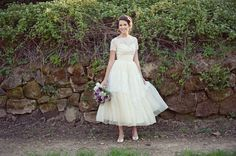 gorgeous vintage wedding dress | photos by Love Life Studios