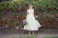 gorgeous vintage wedding dress | photos by Love Life Studios
