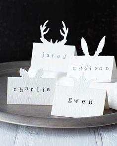 Sympa les marque place de Noël ! Ce sont Charlie, Jared, Madison et Gwen qui vont être contents ✂️ #decoration #DIY #noel