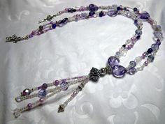 Collier en perles de verre aux nuances améthyste du mauve pâle au violet foncé par Boutique Astrallia : Collier par boutique-astrallia