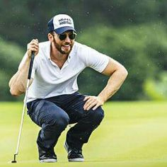 Chris ❤️ Evans in action on the first day of the Mission Hills Celebrity Pro-Am, on the southern Chinese island of Hainan, on October Capitan America Chris Evans, Chris Evans Captain America, Steven Grant Rogers, Steve Rogers, Sebastian Stan, Chris Roberts, Captain Rogers, Robert Evans, And Peggy
