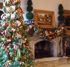 ... to top the extraordinary holiday decorating style of Leanne Michael, we'll end this web page with one more of her fabulous designs. The Christmas tree ...