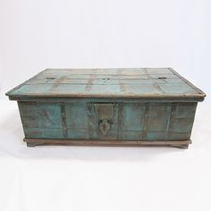 Vintage Jodhpur Painted Trunk / Coffee Table.  Distressed wood and iron with turquoise paint.
