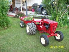 Wheel Horse Tractors   Catching up on a little yard work...