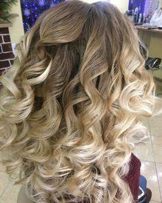 Curled Hairstyles For Medium Length Hair Bandana - loose curls for medium hair: how to curl medium length hair Curls For Medium Length Hair, Curled Hairstyles For Medium Hair, Loose Curls Hairstyles, Medium Curls, Curls For Long Hair, Medium Curled Hair, Hair Medium, Medium Long, Keratin