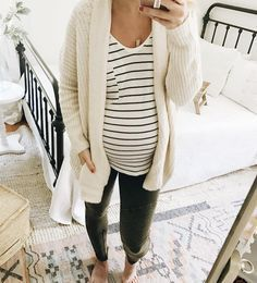 The perfect outfit. I love strips and cream colors with cute paints!!! #maternity #fashion #babybump