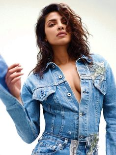 Hot Bollywood Diva Priyanka Chopra is the cover girl of International Magazine Flare. She poses for the magazine September 2016 edition. She looks stunning hot in this new photoshoot. Photos Of Priyanka Chopra, Priyanka Chopra Hot, Beautiful Indian Actress, Beautiful Actresses, Bollywood Celebrities, Bollywood Actress, Actress Anushka, Bollywood Fashion, Look At You