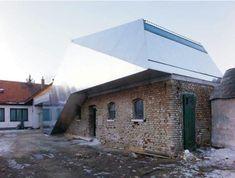 Parasitical architecture