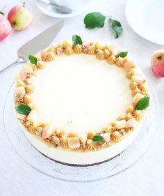 Höstmoussetårta | erikasfikastund Food Cakes, Fall Recipes, Birthday Cake, Desserts, Autumn, Cakes, Tailgate Desserts, Birthday Cakes, Deserts