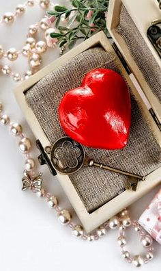 key to my heart Love Heart Images, Love You Images, Heart Pictures, I Love Heart, Key To My Heart, Heart Art, Love Pictures, Heart Wallpaper Hd, Love Wallpaper