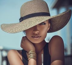"C H I Q U E LE F R I Q U E on Instagram: ""More beauty via @STYLAHOLIK  picture sivakovamaria®"""