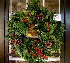 Türkranz zu Weihnachten Beeren Kegel
