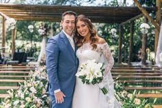 Casamento romântico chic: Alessandra e Diego | Aceito Sim Photos Du, Sim, Marie, Dream Wedding, Bride Groom Dress, Engagement, Party, Vestidos, Human Height