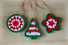 Christmas crochet ornaments pattern Make these into earrings Crochet Christmas Decorations, Crochet Christmas Ornaments, Christmas Crochet Patterns, Holiday Crochet, Christmas Knitting, Tree Decorations, Holiday Ornaments, Crochet Diy, Crochet Gifts