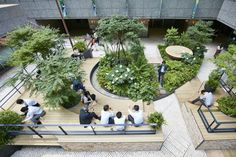 parkERs |グリーンを活かした空間デザイン、オフィスの室内緑化ならパーカーズ Atrium Design, Courtyard Design, Garden Design, Architecture Concept Diagram, Landscape Architecture Design, Parque Linear, Courtyard Landscaping, Public Space Design, Casa Patio