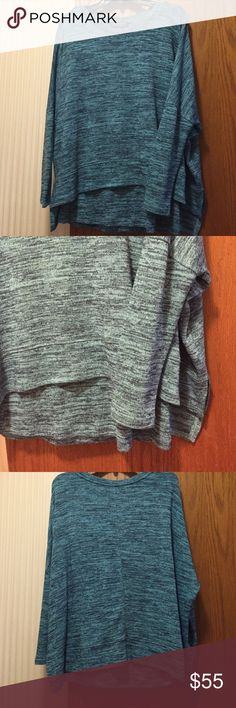 """NWT Context Space-Dyed Dolman Sweater Super soft material. Navy/turquoise print. This is a 2 piece sweater set - a sleeveless she'll and the long sleeved cover. Crew neck, long dolman sleeves and dropped shoulders. Pullover style. 64% polyester, 33% rayon and 3% spandex. Fits size 8-10. Bust 35.5""""-36.5"""". Not from a smoke free house. Context Sweaters Crew & Scoop Necks"""