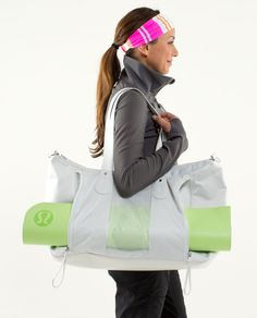 I sooo need this duffle for the gym/yoga!!