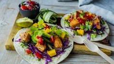 Laksetaco Tex Mex, Fish And Seafood, Fresh Rolls, Food To Make, Mango, Food And Drink, Mexican, Baking, Ethnic Recipes