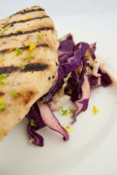 Citrus Grilled Chicken with Red & White Cabbage Slaw Healthy Meals, Healthy Recipes, Cabbage Slaw, Phase 2, Fresh Vegetables, Grilled Chicken, Feel Better, Gourmet Recipes