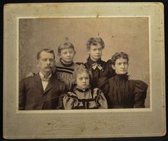 The Dumbar Family.  Husband Lonnie, wife Alice Dufur Dunbar, children Leona, Jessie & Grace.  Alice was born in 1860, married Lonnie in 1883.
