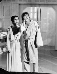 Carrie Fisher and Mark Hamill as Princess Leia and Luke Skywalker in Star Wars V The Empire Strikes Back Star Wars Film, Star Wars Cast, Mark Hamill, Star Wars Love, Saga, Princesa Leia, All Star, Star Wars Pictures, Star Wars Wallpaper