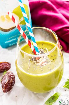 Vegan Spinach Smoothie is easy, delicious & the perfect way to start your day! Find the recipe on www.cookwithmanali.com