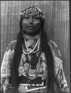 Wishham Girl,1910. Edward Sheriff Curtis Photography.