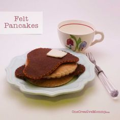 Felt Food Pancakes from OneCreativeMommy.com