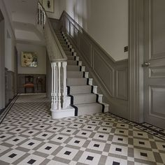 Hallway Decorating 70368812914836401 - Vintage Home Staircase Inspiration for your Vintage Home with Kate Beavis Vintage Expert Source by yourvintagelife Hall Tiles, Tiled Hallway, Entryway Stairs, Tiled Staircase, Black Staircase, Wainscoting Hallway, House Stairs, Carpet Stairs, Cottage Staircase