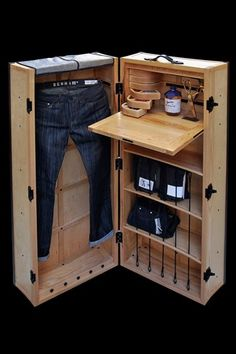 Method Design and Denham Jeans have recently teamed up to create a steamer trunk made specifically for your jeans. Taking over 300 hours to make, this luxury luggage for jeans is the first jeans trunk of its kind! Denham Jeans, Luxury Luggage, Campaign Furniture, Steamer Trunk, Ideas Hogar, Retail Design, Woodworking Projects, Locker Storage, Furniture Design