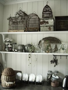 Love the wire ware, the black and white, the textures!
