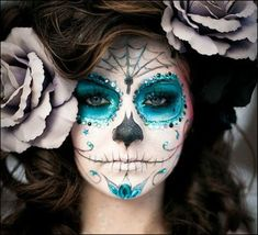 The 11 Best Halloween Makeup Ideas - Not sure what to dress up as? Check out these Halloween Makeup Ideas for a little inspiration. makeup wolf The 11 Best Halloween Makeup Ideas Sugar Skull Make Up, Sugar Skulls, Sugar Skull Face Paint, Candy Skulls, Maquillaje Sugar Skull, Fantasy Makeup, Fantasy Hair, Dark Fantasy, Artistic Make Up